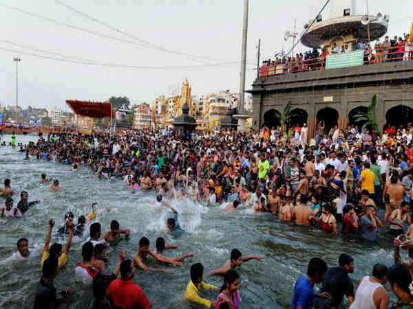 Nashik Kumbh Mela 2015 First Day Thousands Of Devotees Took A Dip In Godavari