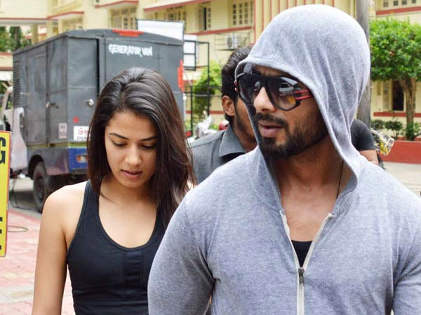 Shahid Kapoor Mira Rajput Spotted Outside Bandra Gym