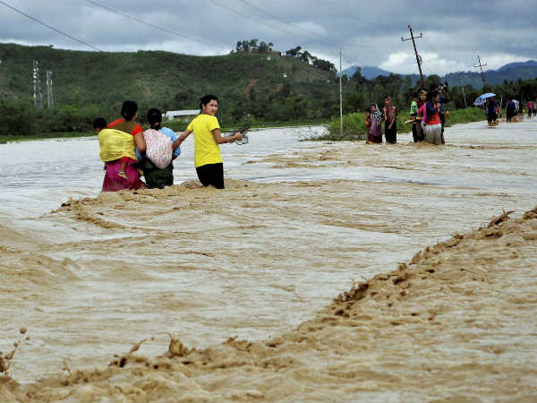 Heavy Rains Hit Several Parts Of India Over 100 People Killed Lakhs Affected 026604 Pg