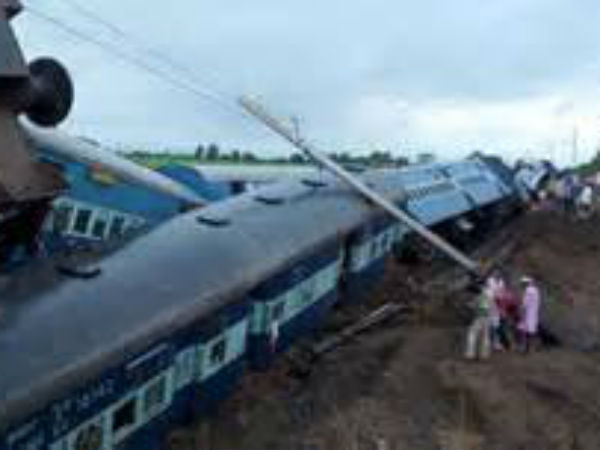 Dead As Kamayani Janata Express Trains Derail Mp Pics
