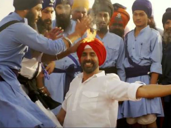 Watch Akshay S Stunts Tung Tung Baje Song From Singh Is Bliing