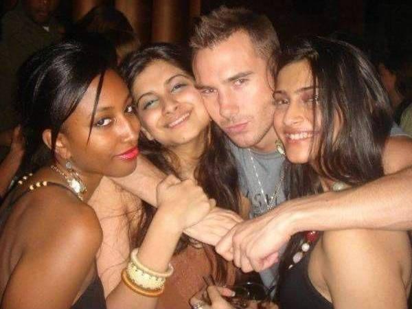 Bollywood Actress Drinking Alcohol