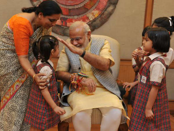 How Pm Modi Sushma Swaraj Kejriwal Are Celebrating Raksha Bandhan