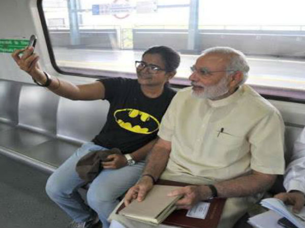 Pm Modi Ride Metro To Faridabad Passengers Click Selfies
