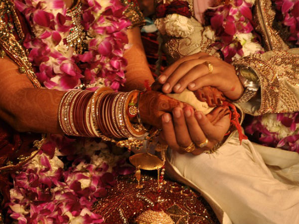 Why Saat Fere Or Seven Rounds Are Very Important For Hindu Wedding