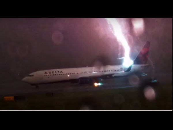 If You Have Guts Then Watch The Horrible Plane Crash Videos From Inside