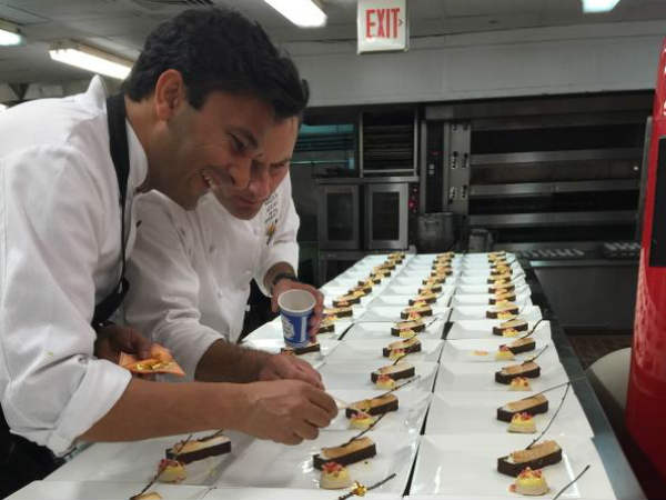 Chef Vikas Khanna Cooks Food Pm Narendra Modi In Us