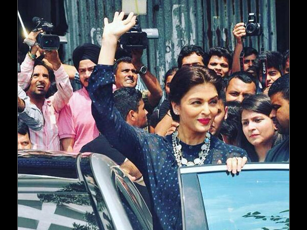 Exclusive Pics Aishwarya Rai Looking Stunning At Jazbaa Promotion Mumbai