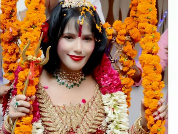 Omg Controversial Godwoman Radhe Maa Ready Commit Suicide