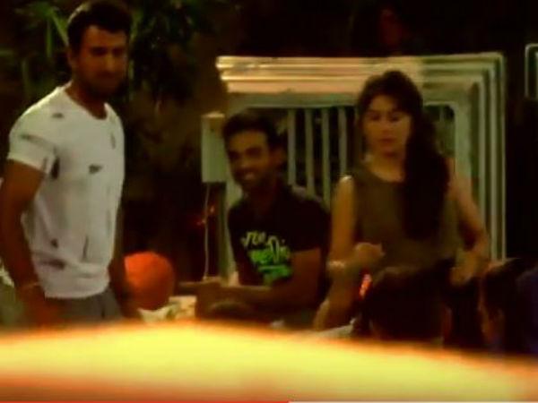 Cheteswar Pujara Given Dinner Team India At His Home Rajkot