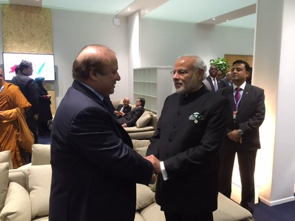 Pm Narendra Modi Meets Pakistan Pm Nawaz Sharif Paris