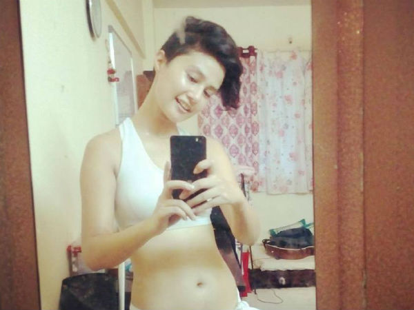 Sasha Chettri Trainee Copywriter Turned Airtel 4g Girl She Is Really Hot 028145 Pg