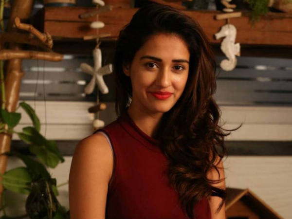 See Pics Model Disha Patani To Play Ms Dhoni S Former Lady Love In Biopic