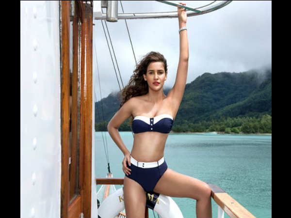 Kingfisher Calender 2016 Is Out With Hottest Models