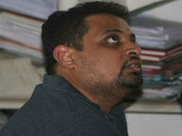 Ahmedabad Builder Exposed Police 029399 Pg