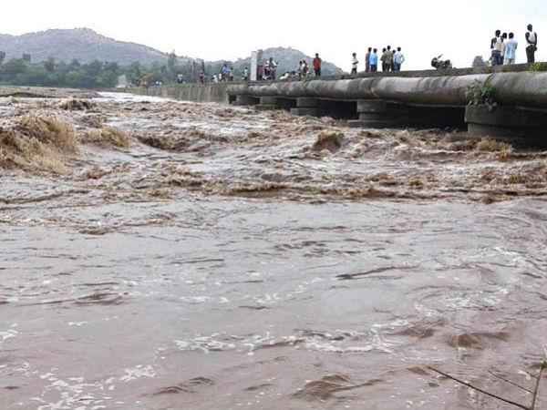 Gujarat Overall Rain Photos News Update 029878 Pg