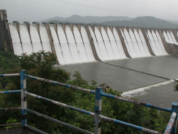 Narmada Dam Overflow Due Heavy Rain
