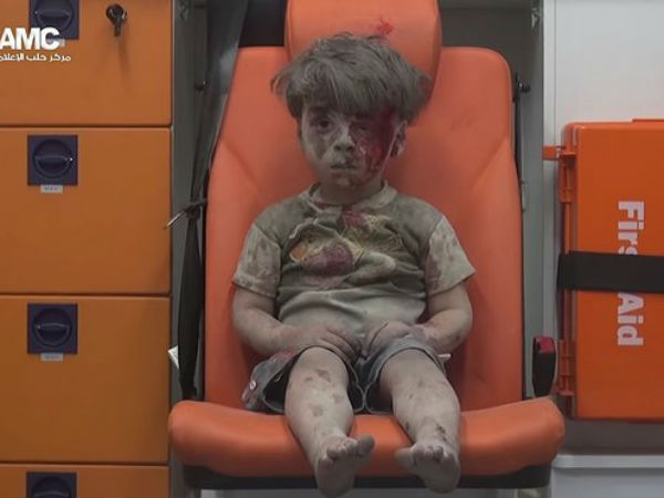 Haunting Image This Kid From Aleppo Syria Going Viral