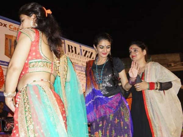 Tarak Mehta Fame Anjali Bhabhi Enjoy Garba At Vadodara