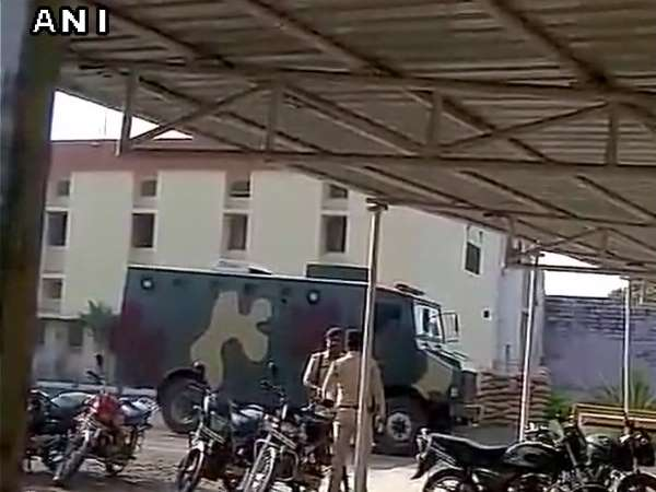 Simi Terrorists Killed Police Who Fled From Bhopal Centra