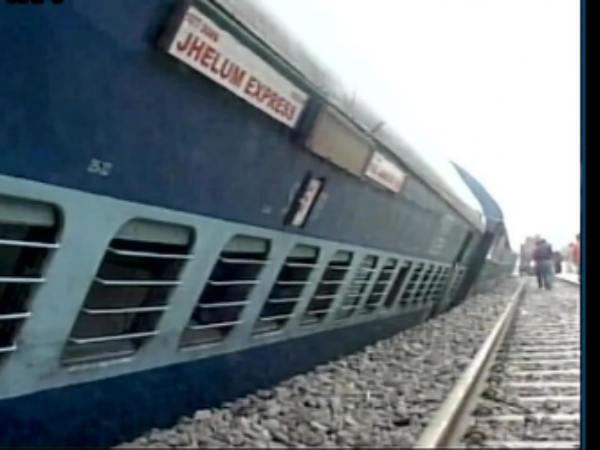 Bogies Of Jhelum Express Derail Jalandhar Ludhiana Punjab 4 Injured