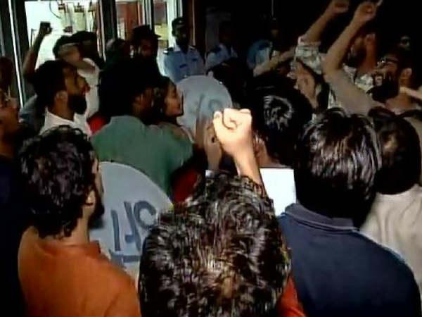 Protest Jnu Students Confine Top Brass As Msc Student Naje