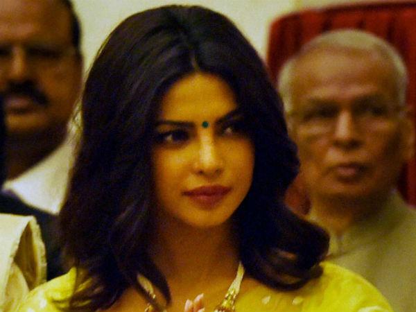 Bollywood Actress Priyanka Chopra Supports Pakistani Actors