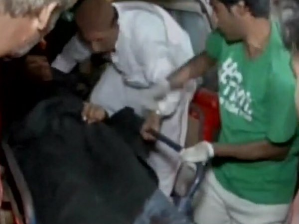 Killed 100 Injured Pakistan Shrine Bombing