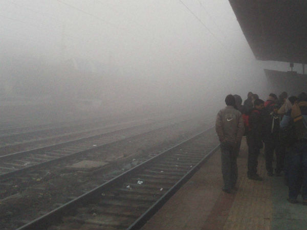 Thick Fog Delhi Ncr Flights Trains Get Delayed