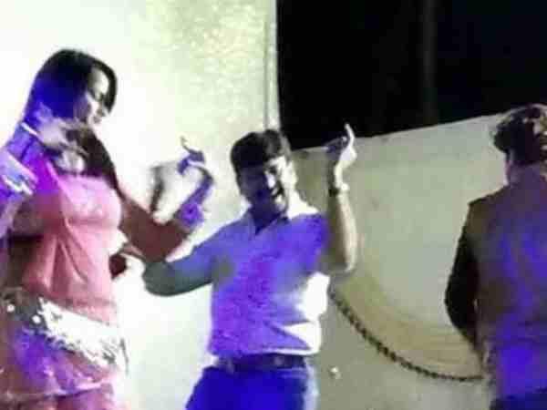 Dhar Bjp Leader Dance Video Viral