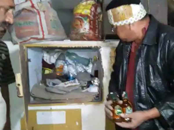 Liquor Seized From Gondal St Depo