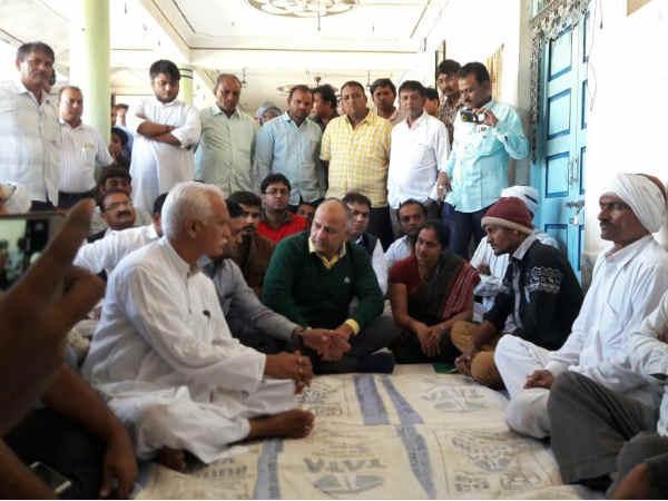 Deputy Chief Minister Manish Sisodiya Met Family Mandvi Rape