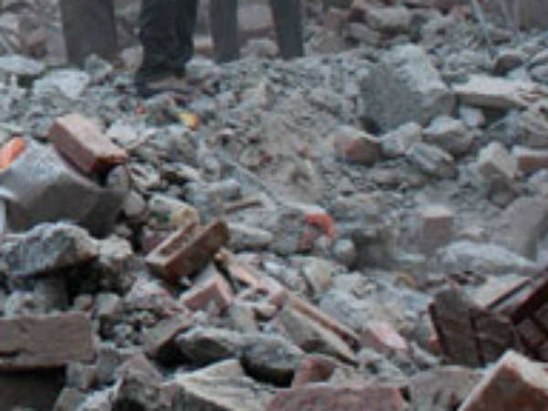 Mumbai 3 Dead 12 Rescued After A House Collapsed In Maharashtra Nagar