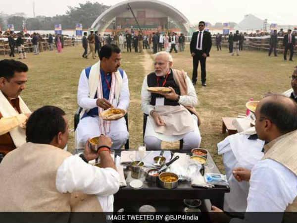 Pm Modi Came With His Own Tiffin In Varanasi
