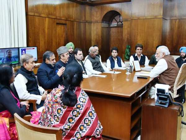 Pm Narendra Modi Tells Rahul Gandhi That They Should Meet