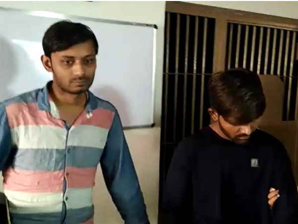 Fake Notes Rs 2000 Worth 26 Lakhs Seized From Rajkot