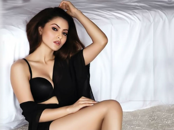 Hot Photos Urvashi Rautela With Salman Khan Hritik Roshan