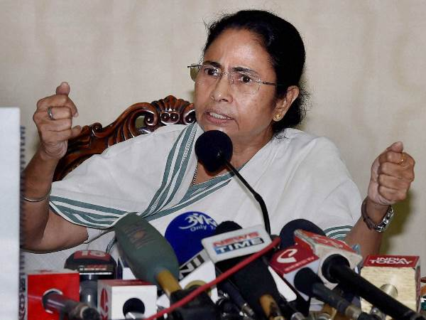 Mamata Banerjee Attack Pm Modi Urged President Should Be Pm Jaitley Or Advani