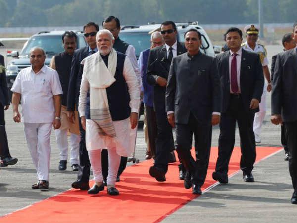 Vibrant Gujarat Modi Inaugurated Gandhinagar Railway Projec