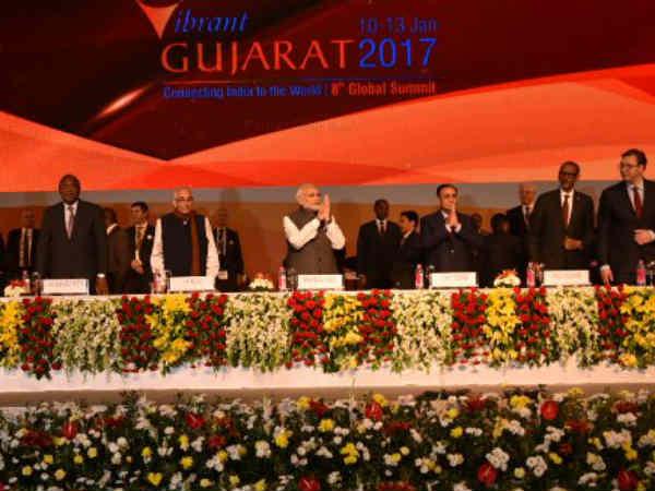 ગુજરાત એક બાજુ વાઇબ્રન્ટ, તો બીજી બાજુ ખેડૂતો, લોકોની હાલાકી