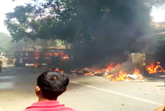 Jallikattu Protests Violence Breaks In Chennai Sec 144 Imposed In Many Places