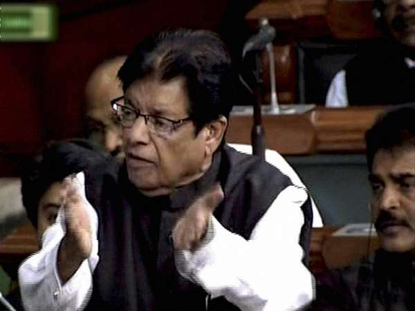 Member Parliament E Ahamed Had Heart Attack During Budget Session