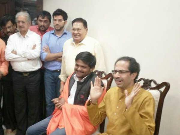 Social Media War On Hardik Patel Will Be Face Shiv Sena Gujarat Polls