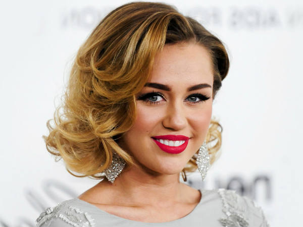 Miley Cyrus Performs Lakshmi Puja At Home On Super Bowl
