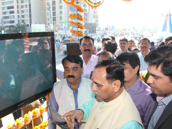 Cm Vijay Rupani Launched Free Wifi Services On Rajkot Brts S