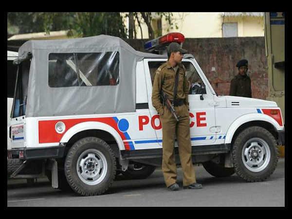 Shootout Near Nehru Place Metro Station Delhi Police Nabbed Criminal Akbar