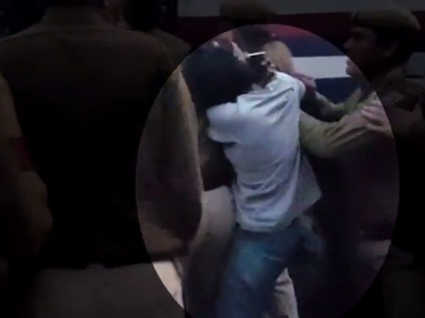 Male Cops Beat Girl Student At Ramjas College Video Goes Viral