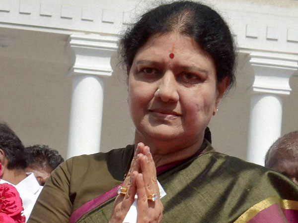 Sasikala Likely To Take Oath As Tamil Nadu Cm Crucial Mlas Meet On Sunday