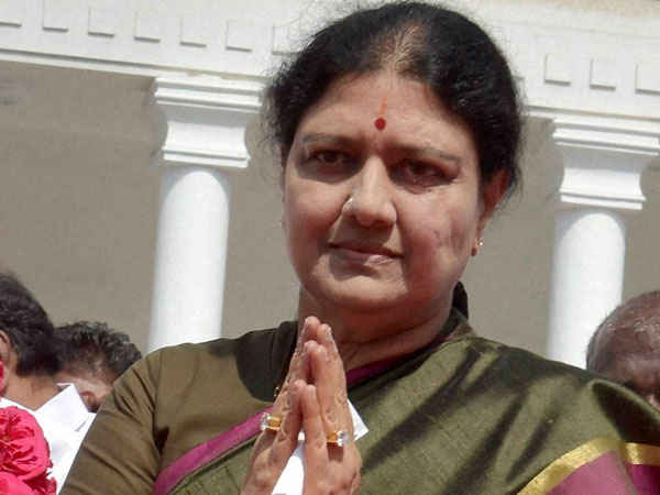 O Pannerselvam Resign Close Aide Of Jayalalitha Shashikala To Be Next Cm