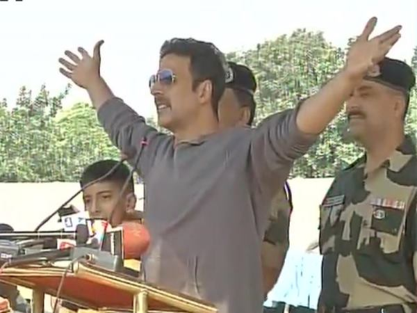 Akshay Kumar Donated Rs 1 08 Cr Of Families Of 12 Crpf Men Who Lost Life In Sukma Maoists Attack